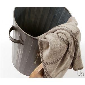 lilia-diam-ø-35-cestino-gettacarte-rotondo-in-metallo-verniciato-marrone-con-coperchio-in-legno-naturale